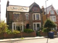Colyton Road Flat to rent
