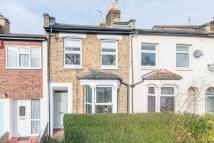2 bedroom house to rent in Lugard Road, London, SE15
