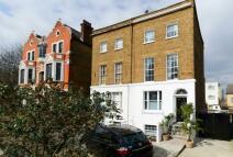 2 bedroom Maisonette for sale in Queens Road, London, SE14