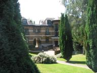 2 bedroom Apartment in Highlawn Hall...