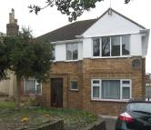 Apartment to rent in Lower Road, Harrow