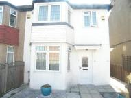 2 bed Maisonette in Harrow View, Harrow