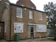 3 bed Mews to rent in High Street...