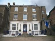 Studio flat in Parkside, London Road...