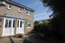 2 bed semi detached house in Rochford Court...