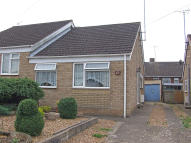 2 bed Semi-Detached Bungalow in Wantage Road, Irchester