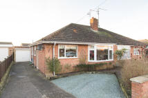2 bed Semi-Detached Bungalow in Sherwood Drive...