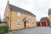 4 bed Detached property in Green Close...