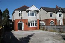 4 bed Detached property in Wrexham Road, Rhostyllen...