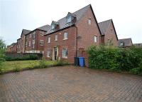 5 bed Detached property in Fairhills Road...