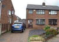 3 bed semi detached house in Binsley Close, Manchester
