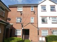 1 bed Flat to rent in Queens Court...