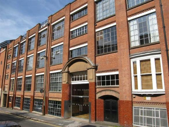 2 bedroom flat for sale in the pick building leicester for Bathroom builders leicester