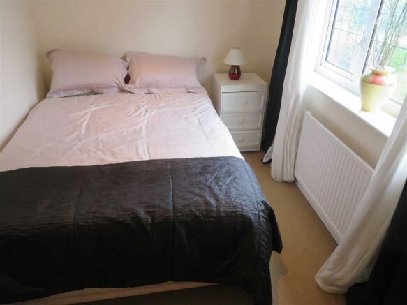 BEDROOM 5 (FRONT)