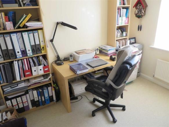 BEDROOM 4 OR STUDY (