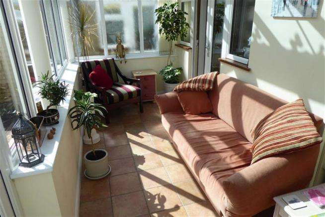 FAMILY AREA/CONSERVATORY