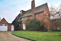 5 bedroom Detached home in Beechenlea Lane...