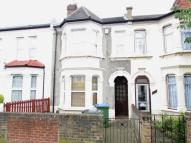 3 bed Terraced property in Woodhurst Road...