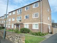 2 bed Ground Flat in Camden Court...