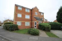 Flat to rent in Redford Close, Feltham...