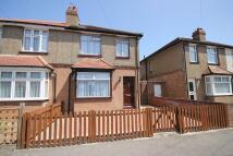 2 bedroom semi detached property in Shaftesbury Avenue...