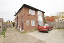 2 bed Ground Flat to rent in Bedfont Lane, Feltham...