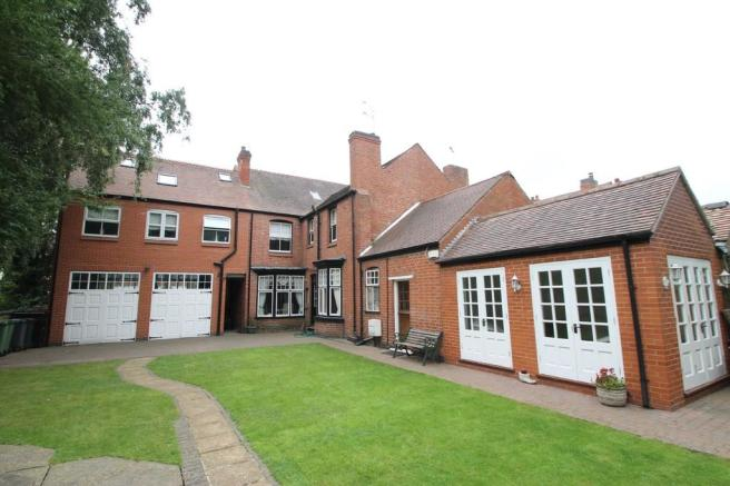 6 Bedroom Semi Detached House For Sale In Manor Park Road