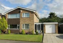 4 bed Detached house for sale in Heythrop Drive...