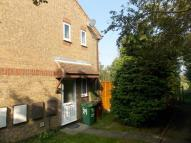 End of Terrace home to rent in Maidwell Way, Grimsby...