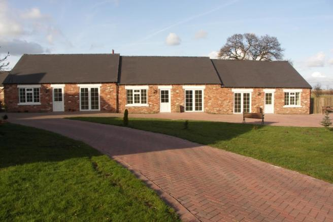 2 Bedroom Bungalow To Rent In Park House Mews Sandbach CW11