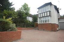 5 bed semi detached home in Hendon Lane, Finchley...