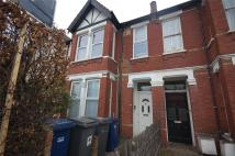 Apartment to rent in Squires Lane, Finchley...
