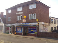 Flat for sale in Pound Street, Newbury...