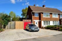 3 bedroom semi detached property in Sevenoaks Road, Earley...