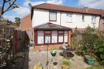 2 bedroom End of Terrace property in Roxburghe Close...