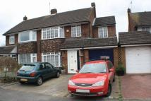4 bed semi detached house in Keswick Gardens, Woodley