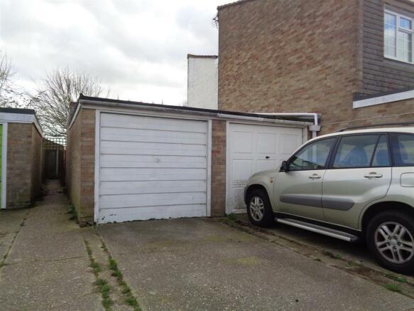 Garage / Driveway