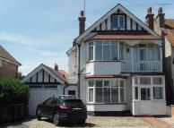 6 bedroom Detached house for sale in Westcliff Gardens...