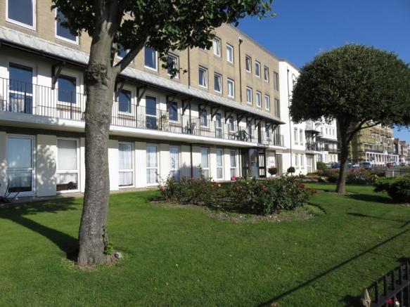 1 Bedroom Apartment For Sale In Wellington Crescent Ramsgate Kent Ct11 Ct11