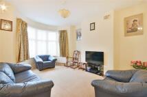 3 bed property in Dewsbury Road...