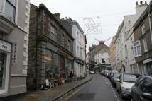 Flat to rent in Chapel Street, Penzance...