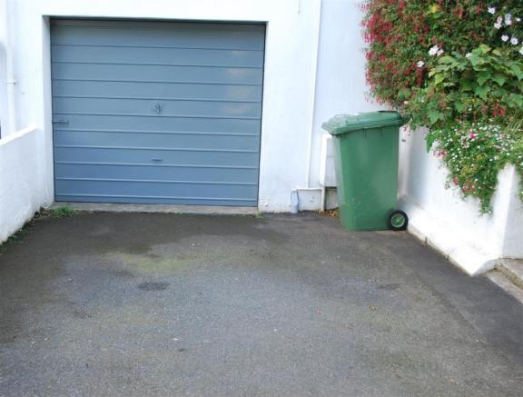Garage & Drive.JPG