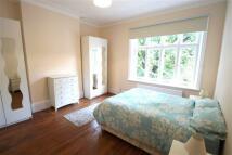 2 bed Flat in Lymington Road...