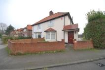 3 bedroom semi detached property for sale in Showers Way, Hayes