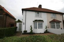 3 bedroom house in Showers Way, Hayes