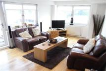 2 bedroom Apartment in Crow Road, Partick
