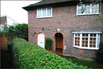 Maisonette to rent in Neale Close...
