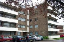 Flat in Barnes Court, New Barnet...