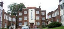 3 bed Flat to rent in Moss Hall Court...