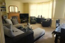 Stanhope Avenue Flat to rent